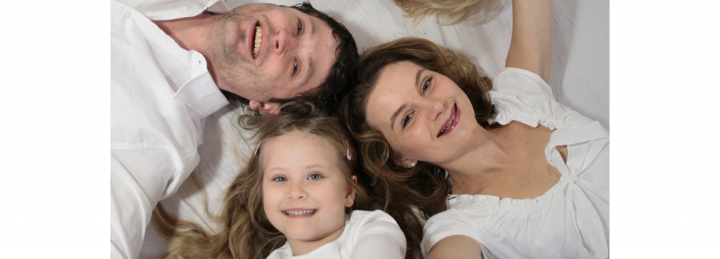 Familie: Vater, Mutter und Kind