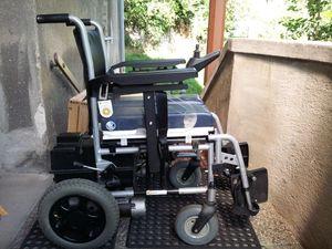Rollstuhl Vermeiren mit Elektroantrieb