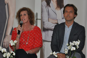 DGKS Ramona Rosenthal (Leiterin des MS-Tageszentrums der Caritas Socialis) und Univ. Prof. Dr. Fritz Leutmezer (Präsident der MS-Gesellschaft Wien)