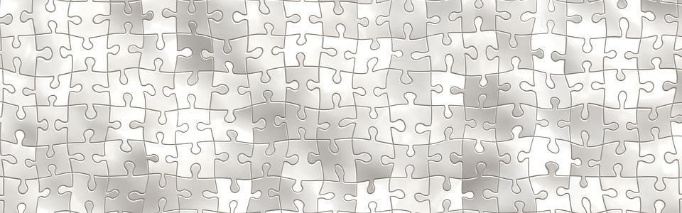 Symbolbild Lernen: weiße Puzzleteile, Credit: Gerd Altmann, Pixabay