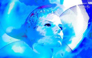 Symbolbild Psyche: Frauengeicht auf blauem Hintergrund, Credit: Pixabay