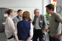 Welt-MS-Tag 2018 und 15 Jahre MS-Beratungszentrum: Univ.-Prof. Dr. Hans Lassmann ist ein gefragter Gesprächspartner. Foto: MS-Gesellschaft Wien
