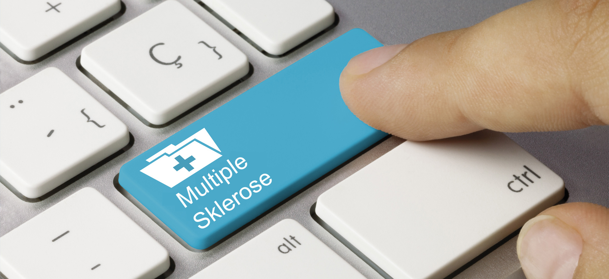 "PC-Tastatur, Enter-Taste mit Schriftzug ""Multiple Sklerose"" belegt, Credit: © momius, Adobe Stock"