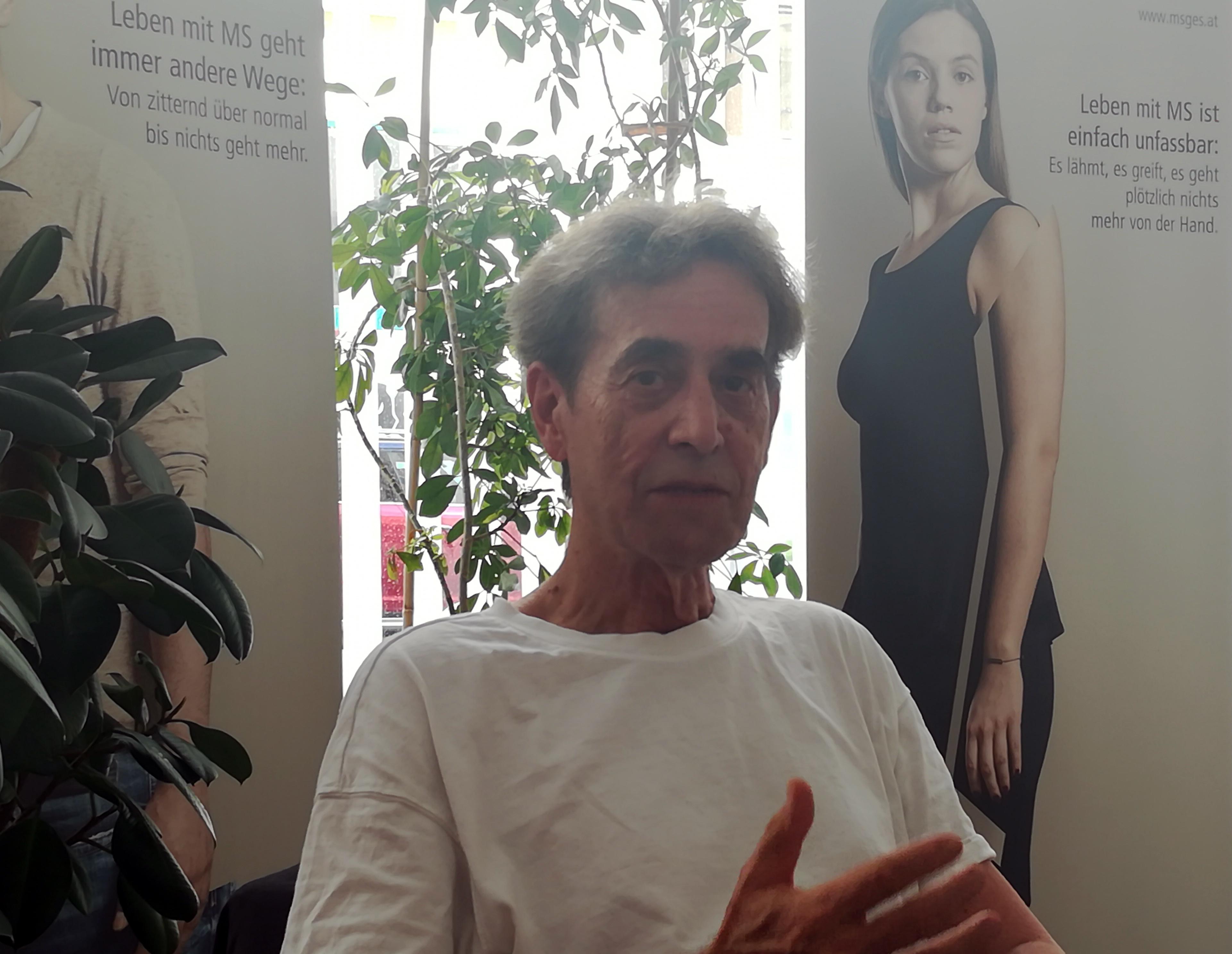 Prof. Peter Gruber, seit 1973 künstlerischer Leiter und Regisseur der Nestroy Spiele Schwechat