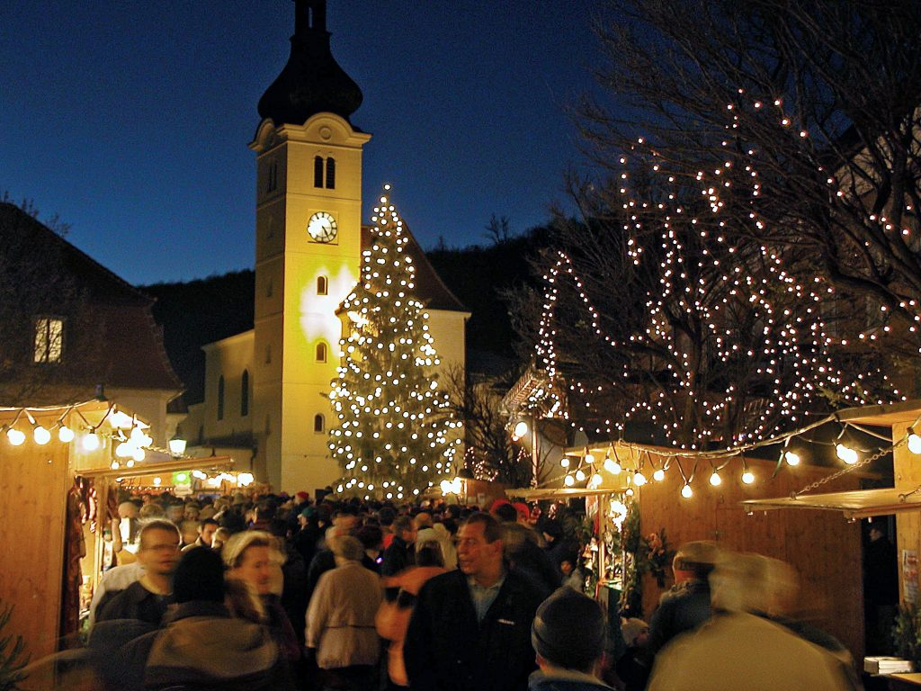 Am zweiten Adventwochende erwartet Sie die MS-Gesellschaft Wien am Adventmarkt Purkersdorf. Foto: Jacuk/Stadtgemeinde Purkersdorf