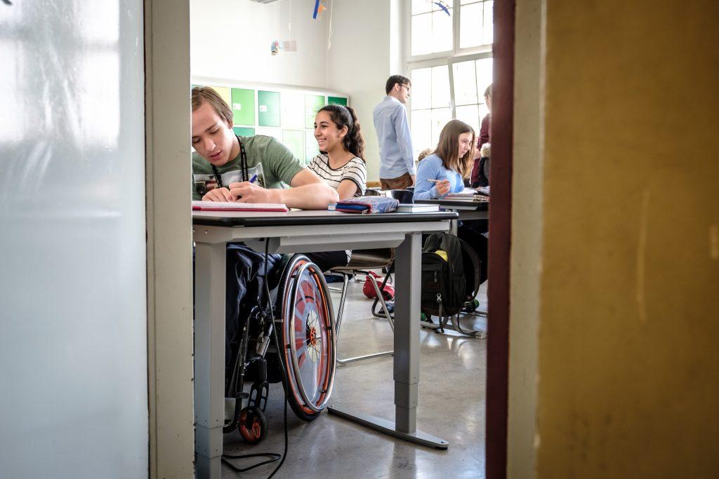 Symbolbild Bildung, Studierende in einer Klasse, Copyright: (c) Andi Weiland | Gesellschaftsbilder.de