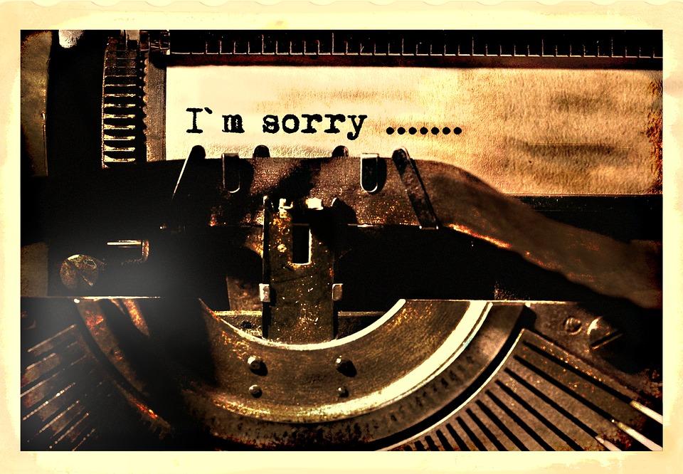 """Schriftzug """"SORRY"""", geschrieben mit antiker Schreibmaschine, Credit: kai kalhh, Pixabay"""