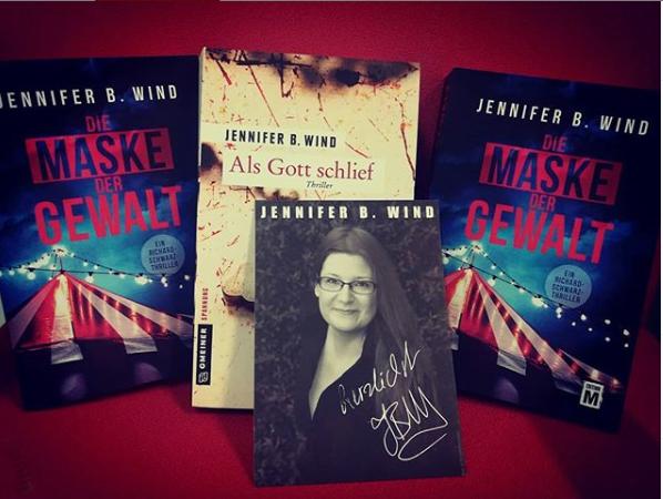 Wir verlosen Krimis von Jennifer B. Wind.
