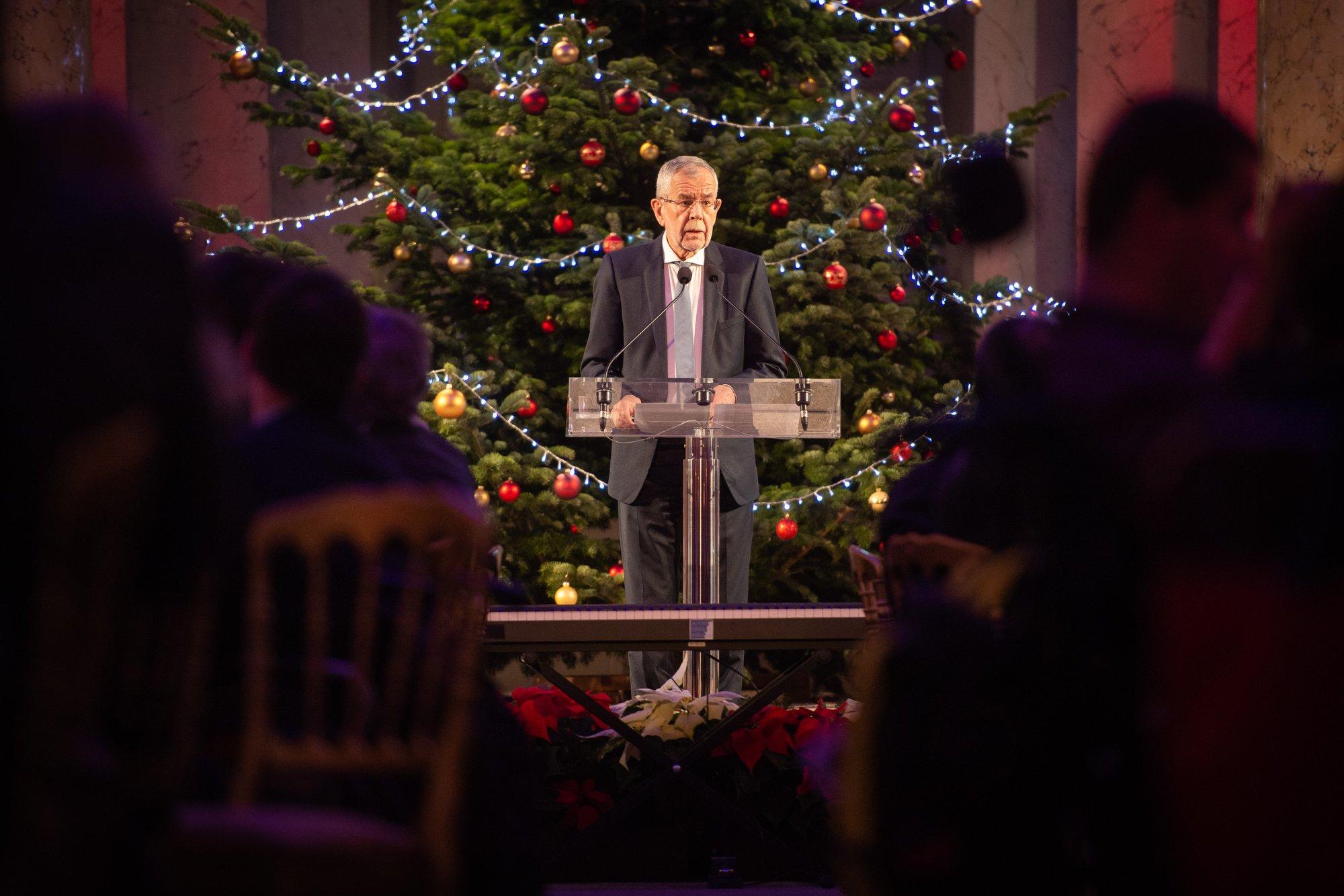 Weihnachtsfeier für und mit Menschen mit Behinderung, Foto: Präsidentschaftskanzlei