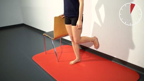 Gleichgewichts-Übung: Einbeinstand