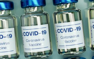CoViD-19-Vaccine, Foto: Daniel Schludi on Unsplash