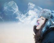 rauchende Frau, Credit: Saad Chaudhry, Unsplash