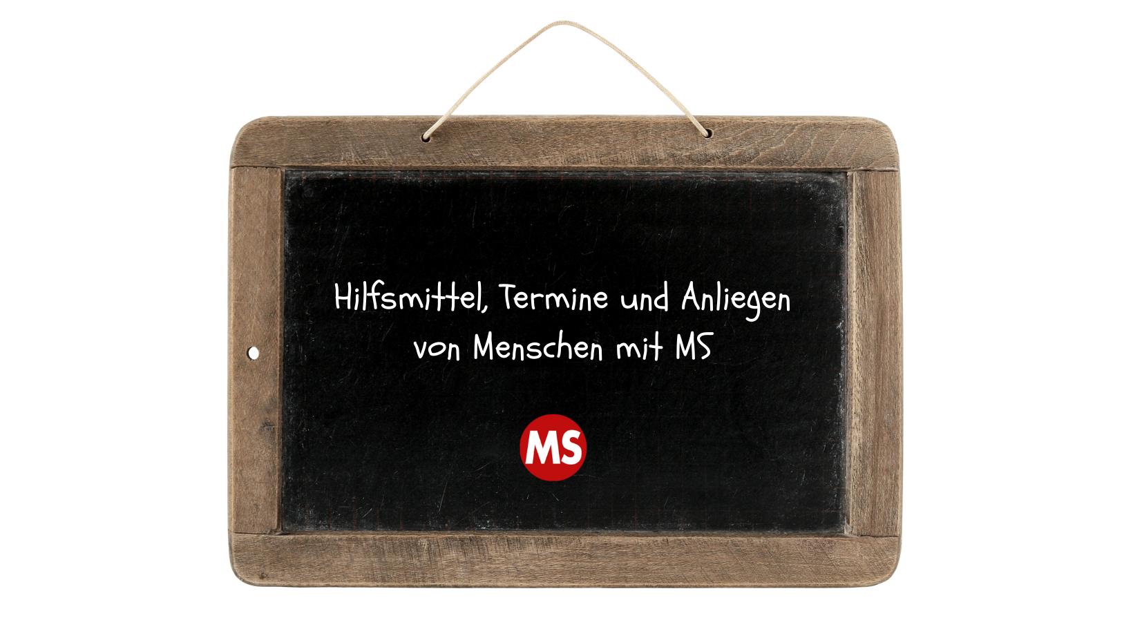 Schwarze Tafel. Aufschrift: Hilfsmittel, Termine und Anliegen von Menschen mit MS. Credit: Canva