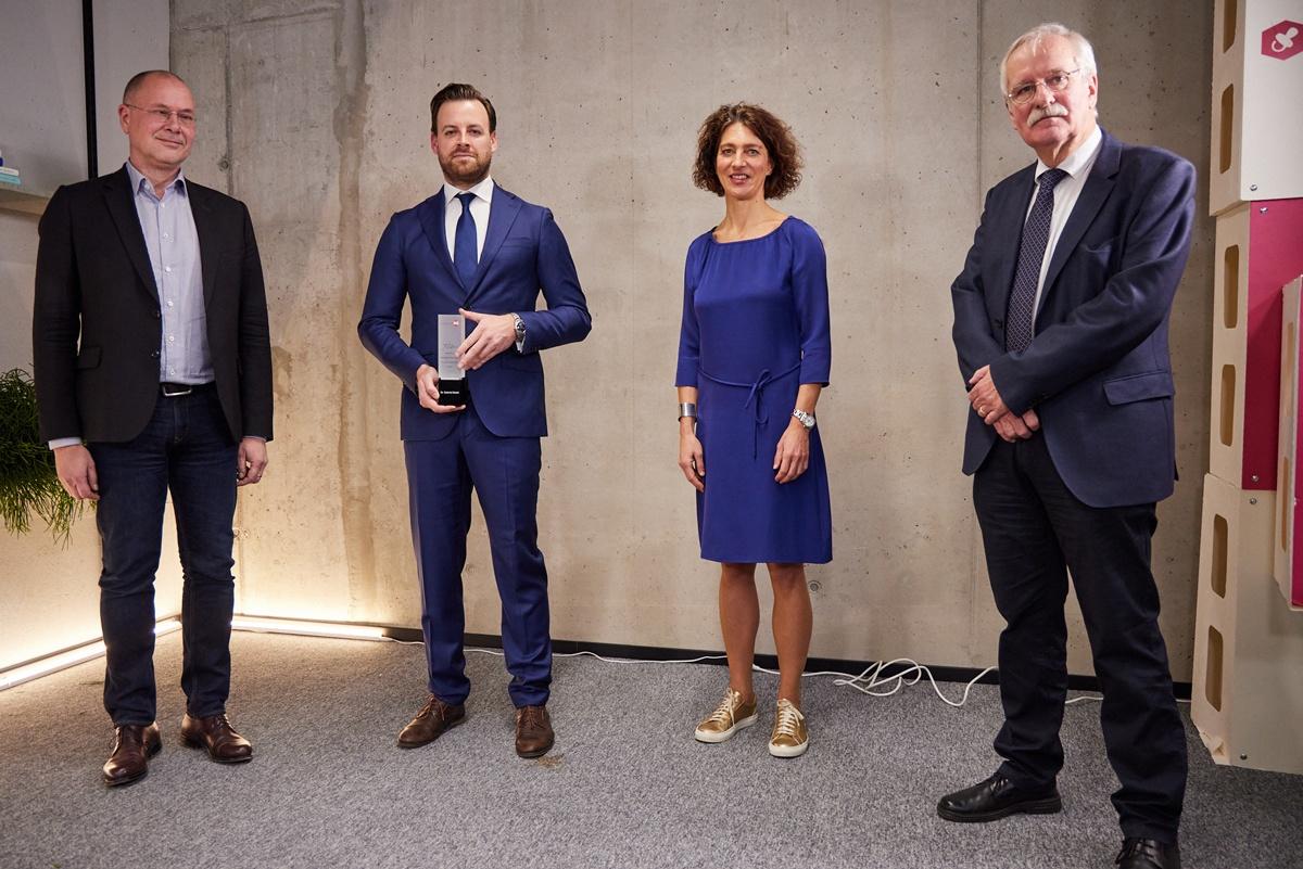 vlnr.: Univ. Prof. Dr. Thomas Berger, Dr. Gabriel Bsteh, Dr. Astrid Kaltenböck und Univ. Prof. Dr. Hans Lassmann. (c) IMAGE ANGELS – Communications Agency